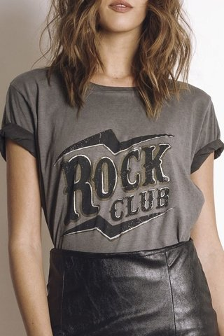 Remera Rock Club stone washed en internet