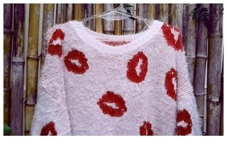 sweater Kiss en internet