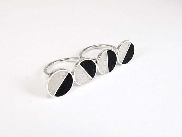 Statement Ring, Sterling Silver, Double Ring, Black, White, Divided Circles, Contemporary, Modern, Minimal - Tienda Online de Maldonado Joyas