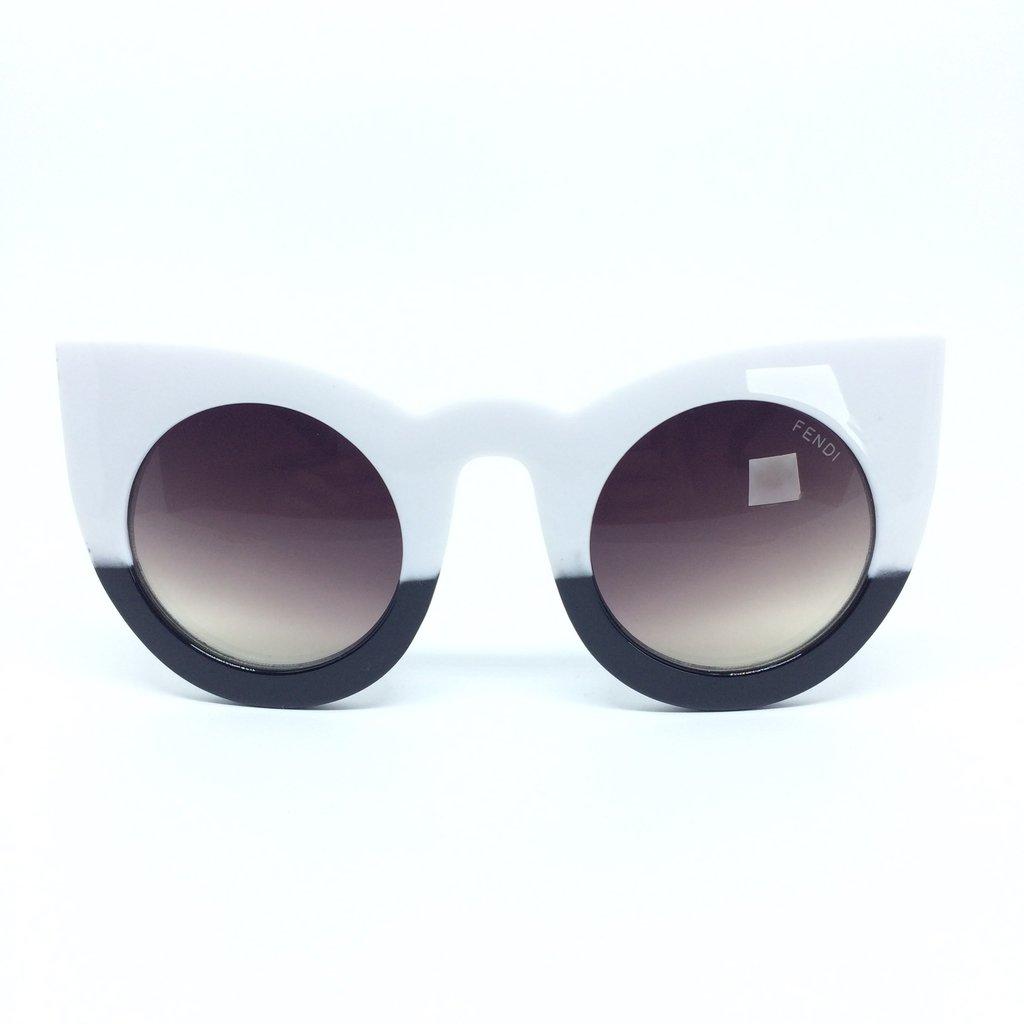 f33dda67eff5e Óculos de Sol Fendi Lolly Gatinho