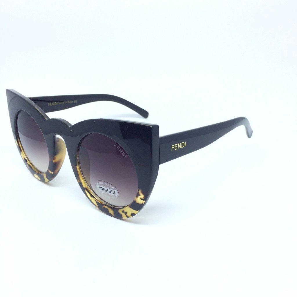 2075d8d5b3bb0 ... Óculos de Sol Fendi Lolly Gatinho ...