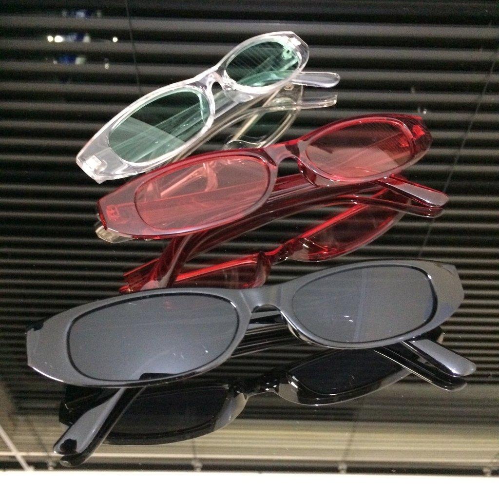 e95415090e4ca Óculos de Sol mini Rihanna Colors Óculos de Sol mini Rihanna Colors -  comprar online ...