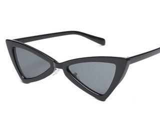 172568e8f90de Pequeno Gato óculos de Sol Olho para As Mulheres Masculino Armação De Metal  Retro Amarelo vermelho