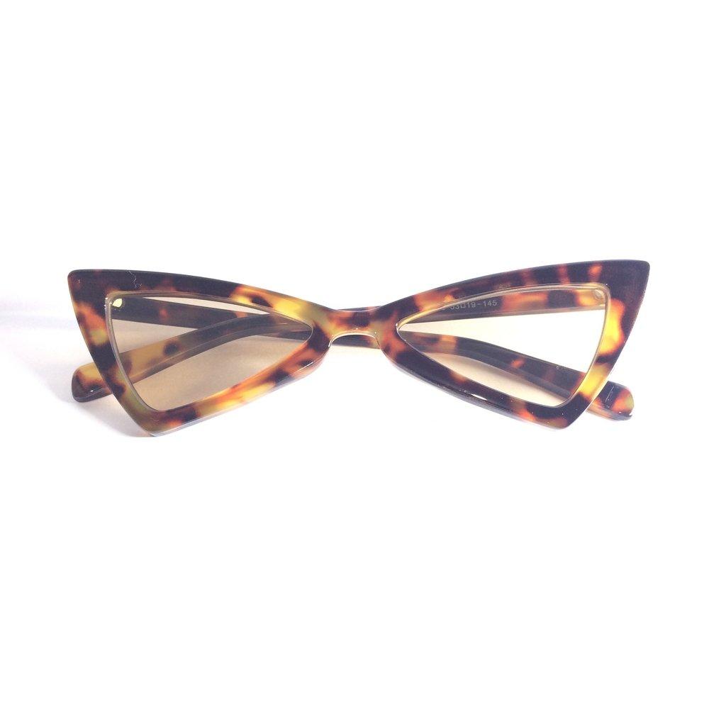 26467d0fff357 ... Óculos de Sol Retrô Gatinho Lolita - LOVE MONEY - Óculos de Sol e  Relógios ...