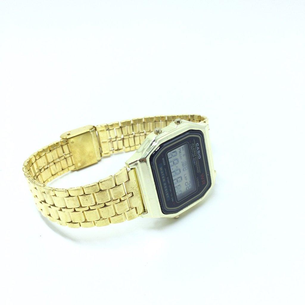 33302c082c1 ... Relógio Casio Retro 2º LINHA - LOVE MONEY - Óculos de Sol e Relógios ...