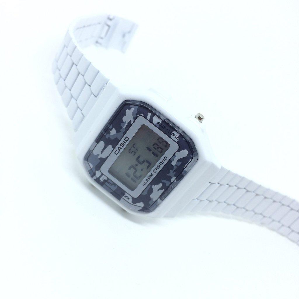 d93f80650a7 ... Relógio Casio Vintage Camuflado Branco - LOVE MONEY - Óculos de Sol e  Relógios