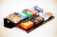Pedalboard metalica modelo Monster con bolso 60cm x 30cm 11/12 pedales Plug & Play