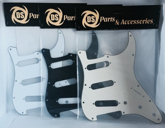 Pickguard Stratocaster S-S-S Negro Blanco Crema Mint Tortoise Ds Tricapa