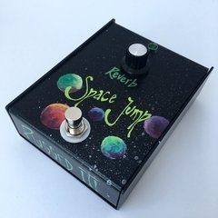 Plugged it! - Space Jump (Reverb) + Porta pua de regalo