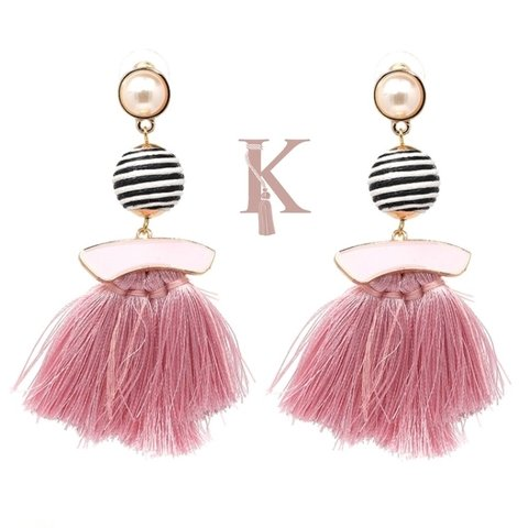 LOLA EARRINGS-LIGHT PINK