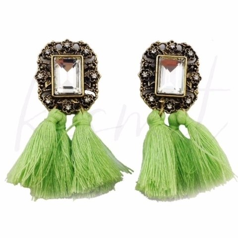 POMPOM COLORFUL EARRINGS en internet