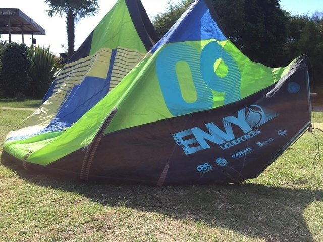 Envy Liquidforce 9mts 2013, con reparacion en costilla y pequeño parche, cod 900-14 sin barra - Second Wind Kite Shop