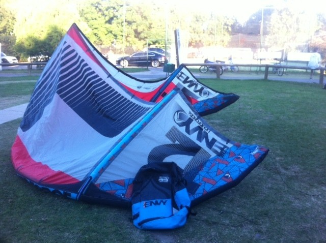 (cod 1281) Envy 12 mts 2015 solo vela y bolso muy bueno con parche chico en tela - Second Wind Kite Shop