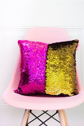 Magic Pillow Pink Y Gold