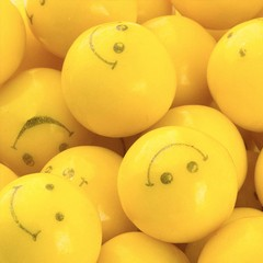 Bola de Chicle Amarillo con Smiley Face. Ø2.5 cms