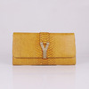 Clutch Chyc Textured Snake Veins Saint Laurent - comprar online