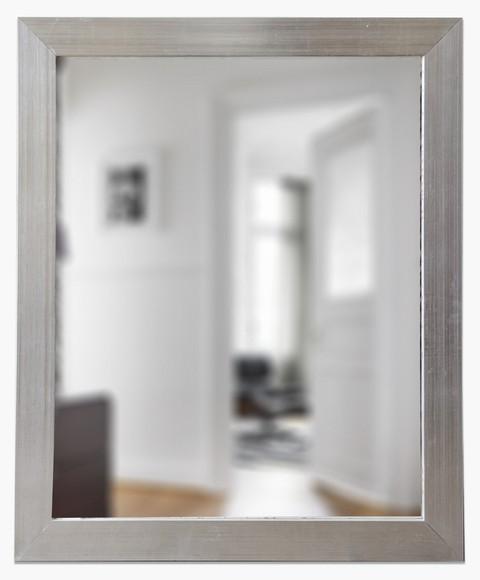 espejo con marco chato plateado