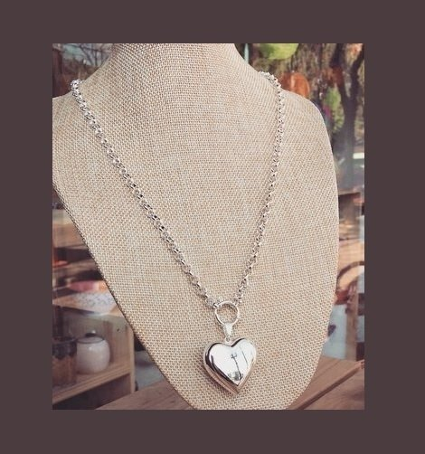 Collar White Heart (acero blanco)