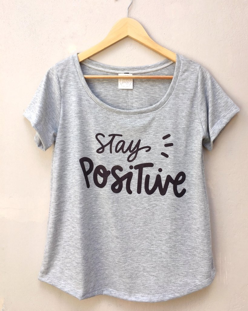 Remera Eugenia Stay Positive