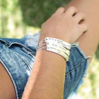 PULSERA IT'S A KIND
