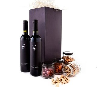 Deli Box Wines & Dried Fruits