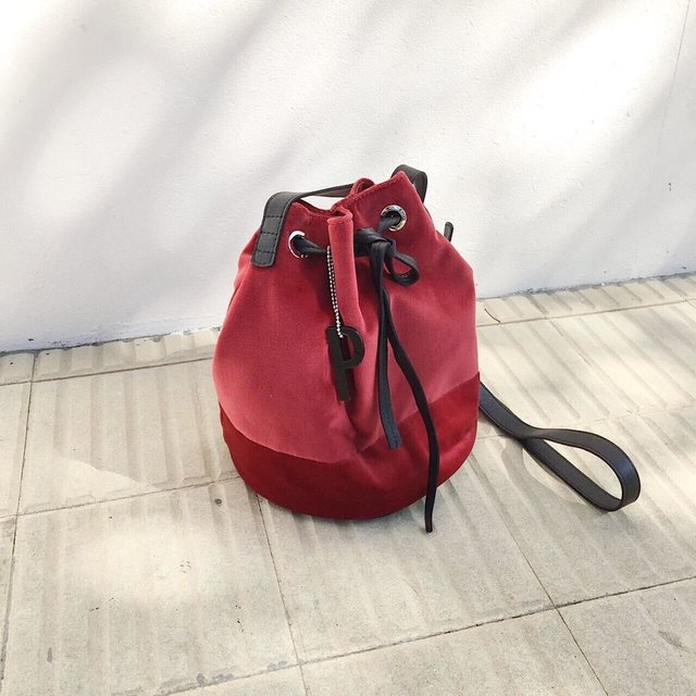 BUCKET BAG FIFI en internet
