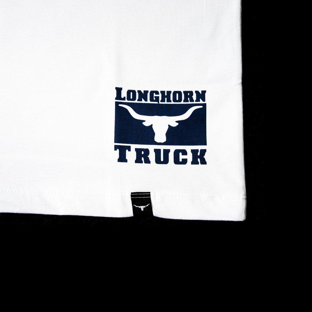 Camiseta Longhorn Truck - Branca e Azul (Frete Grátis). Cor  Branco a5e5ede9e5b