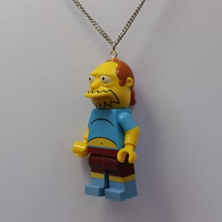 Colar - Jeffrey / Simpsons Lego na internet
