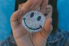 Brinco Smiley Glitter Colors - comprar online