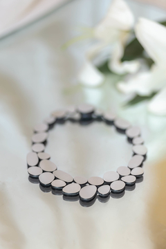 New In! Collar Grace Round