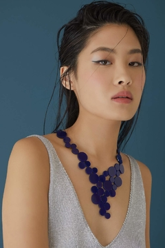 New In! Collar Abstraction V Metallics - En Cuero y Acrílico - Joyería Contemporánea by Iskin Sisters - Azul