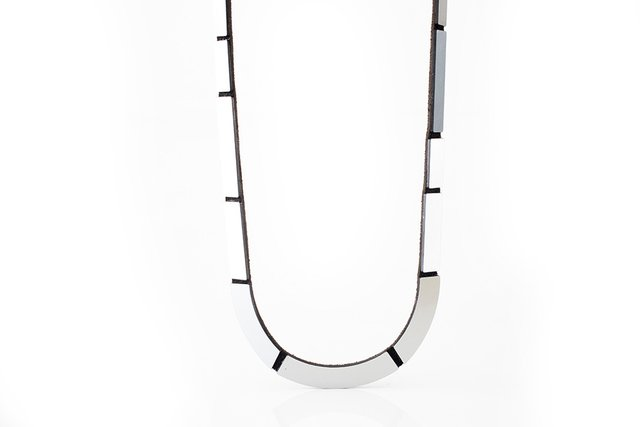"New In! Collar Mies ""U"" - Accesorio de Diseño en internet"