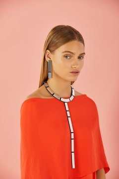 "New In! Collar Mies ""Y"" - Accesorio de Diseño"