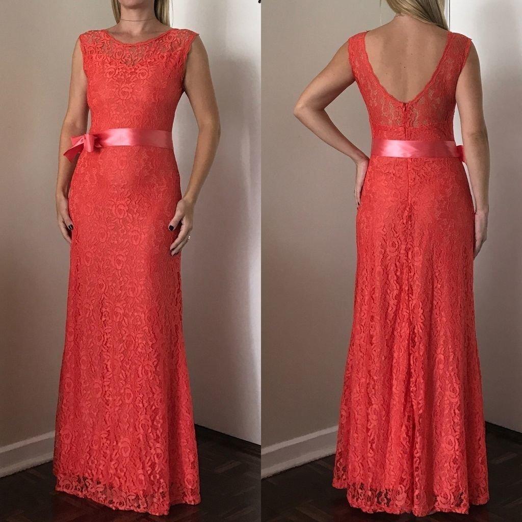 752ac109a Vestido longo de festa em renda com lindo decote nas costas cor coral