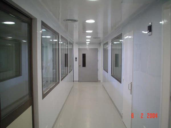 Revestimiento para paredes de laboratorios cuben s a for Revestimiento de paredes para duchas