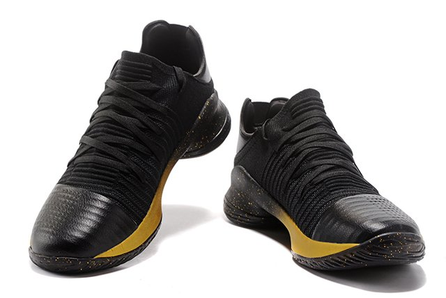 Tênis Under Armour Curry 4 Low Black and Gold IMPORTADO na internet