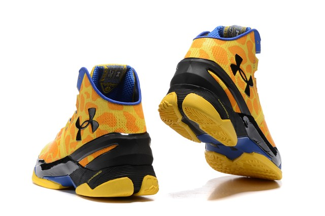 Tênis UNDER ARMOUR Curry 2 Giraffe Print Basquete IMPORTADO - PRIME IMPORTADOS