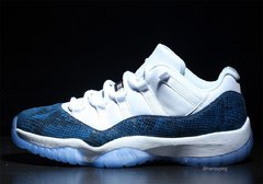 "Air Jordan 11 Low ""Navy Snakeskin"" na internet"