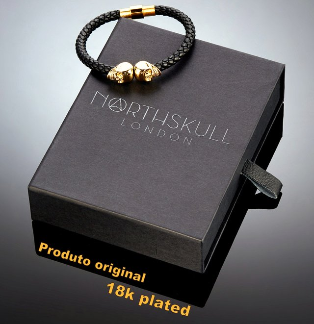 Bracelete Northskull Black Nappa Leather/ 18kt. Gold Twin Skull - comprar online