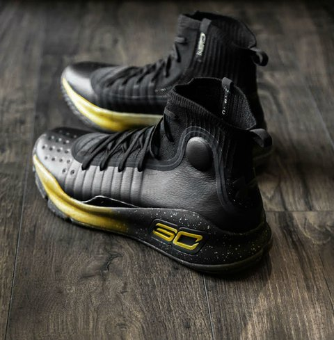 Tênis Under Armour Curry 4 Black and Gold IMPORTADO