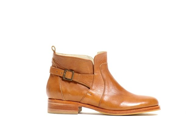 BOTA ROCKY SUELA - Camelia Shoes