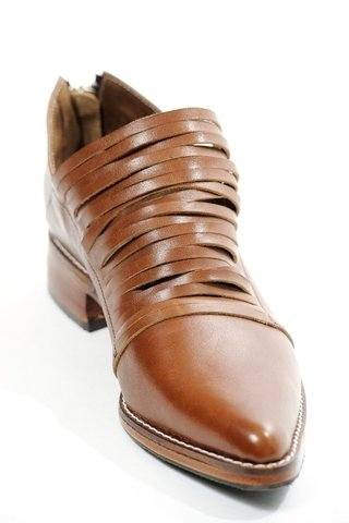 BOTA FREE SUELA 40 - Camelia Shoes