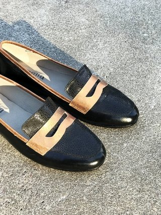 MOCASIN NEGRO CON ATIFAZ 41 - Camelia Shoes
