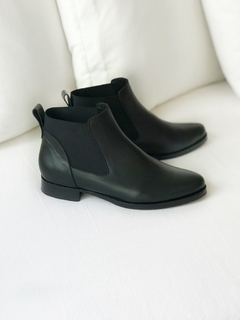 BOTA NEW ALELI NEGRA 39 - Camelia Shoes