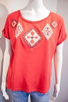 BLUSA COM APLIQUE TRIBAL [M]