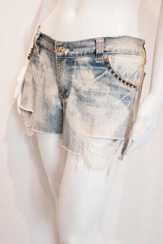 SHORTS JEANS COM SPIKES [G]