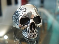 Anillo Flower Skull en internet