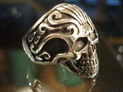 Anillo Calavera Tribal en internet