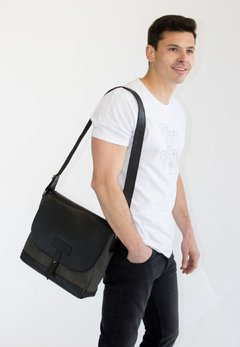 Morral Negro Cuero y Canvas - Pato Pampa