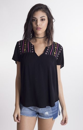 i362 Camisola bordada en pechera	Willa
